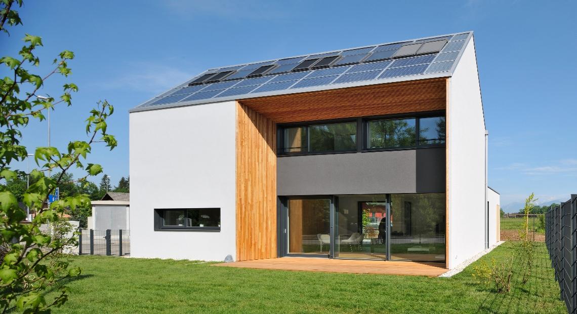 Lumar - Lumar hiše s sončno elektrarno