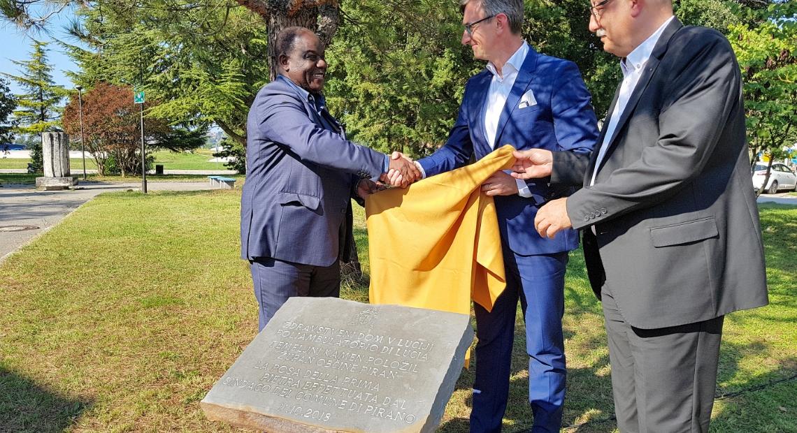 Lumar - Odkrili temeljni kamen za nov zdravstveni dom v Luciji