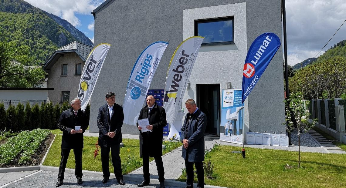 Lumar - Z multinacionalko Saint-Gobain predstavili prvo skoraj nič-energijsko MultiComfort hišo