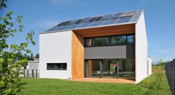 Lumar hiše s sončno elektrarno