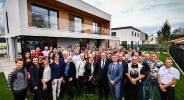 Uradno odprli prvo slovensko hišo s certifikatom Active House